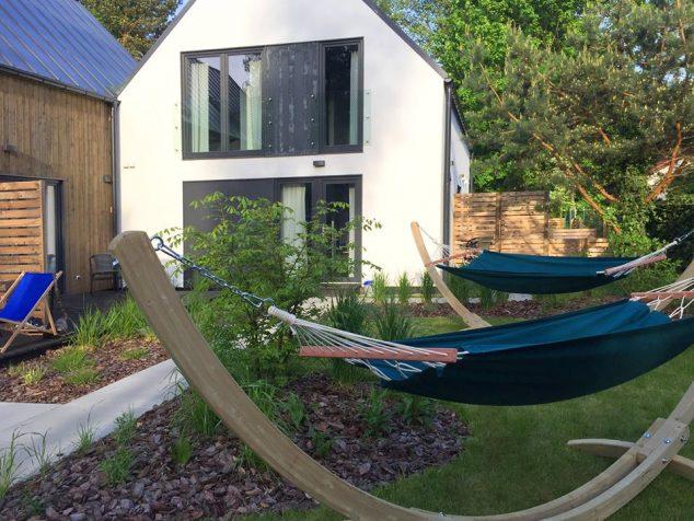 hamaki w ogrodzie