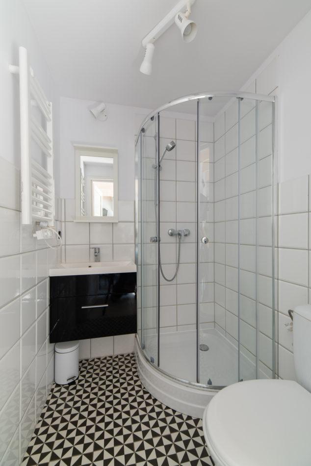 łazienka grzejnik prysznic